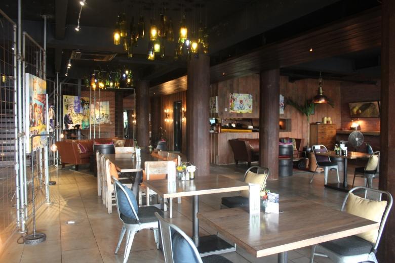 Review HotSpot: Townhouse in Seminyak
