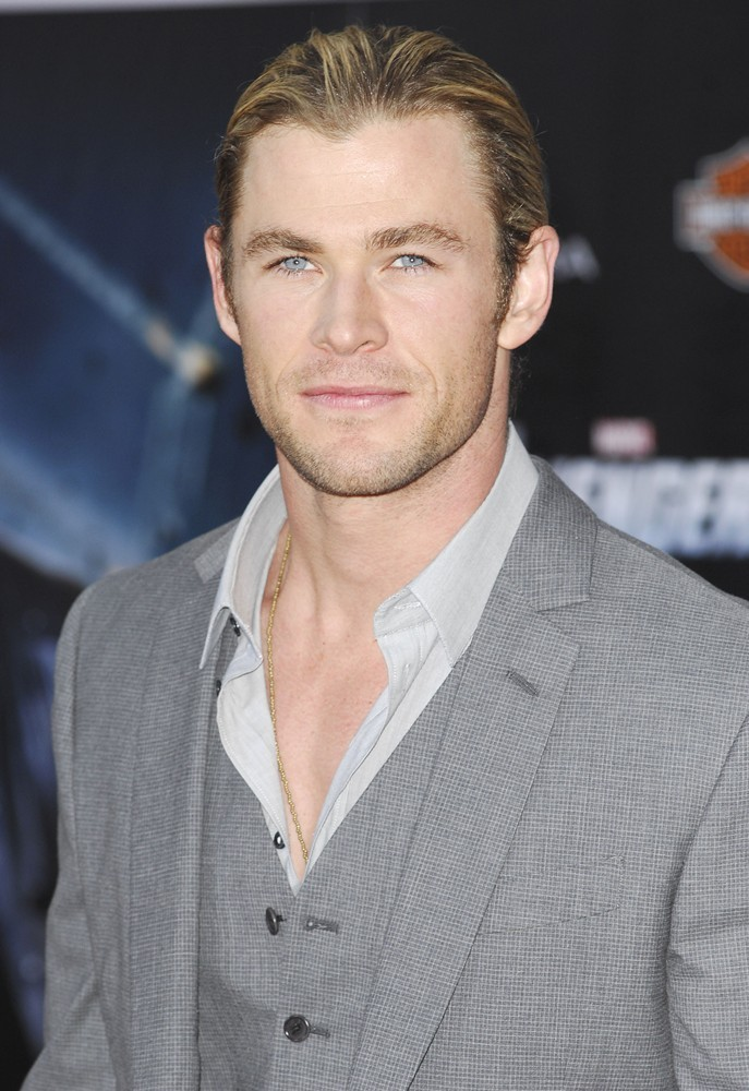 chris-hemsworth-premiere-the-avengers-03