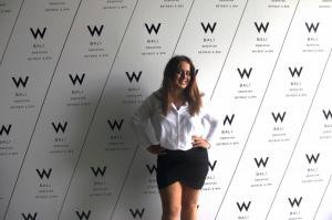 Ik at the W