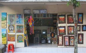 art-shop-in-ubud-bali-indonesia