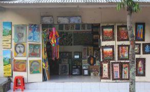 art-shop-in-ubud-bali-indonesia
