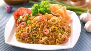 Nasi-goreng-seafood-resep_7_6.2.5_326X580