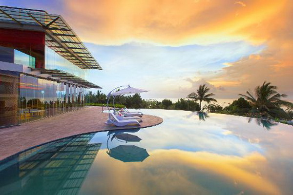 bali-ramada-resort-one-of-hotels-and-resorts-in-bali-that-offers-infinity-pools